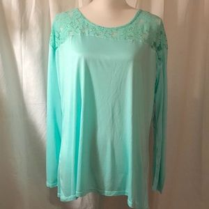 💚 NWT a.n.a. Long sleeve Tunic -FINAL Markdown